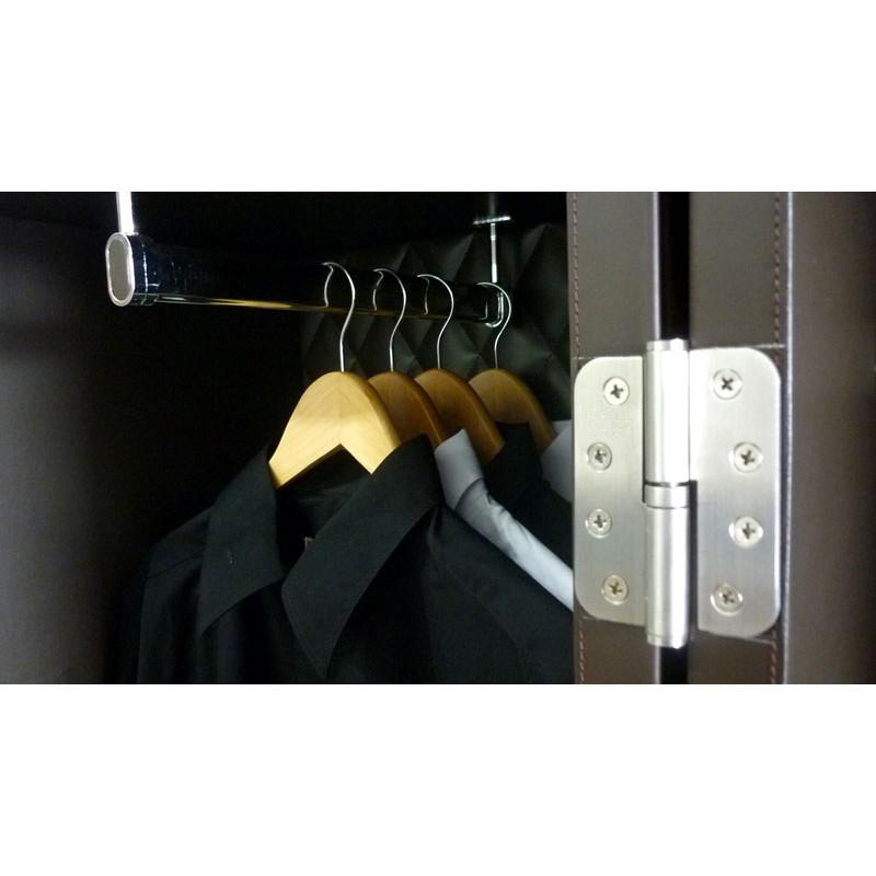 S0037 wardrobe